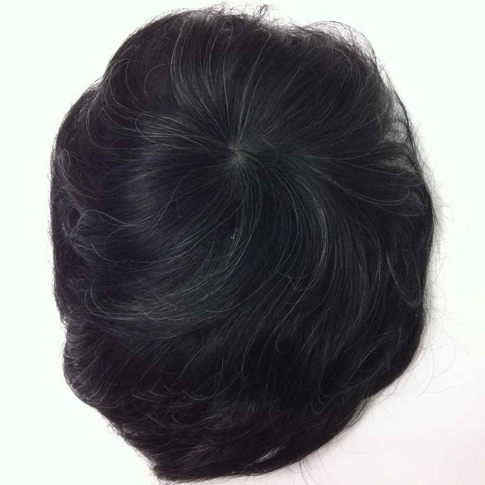 かつら、上からの写真黒い毛並